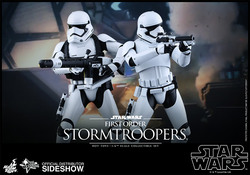 STAR WARS EPISODE VII HOT TOYS FIGURE - STORMTROOPER PACK