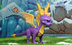 SPYRO FIGURE THE DRAGON 20 CM