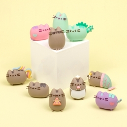 PUSHEEN FIGURINE DISPLAY (24)