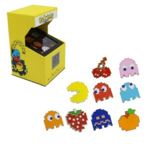 PAC MAN ARCADE RETRO PING BADGE BOX