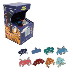 SPACE INVADERS ARCADE RETRO PING BADGE BOX